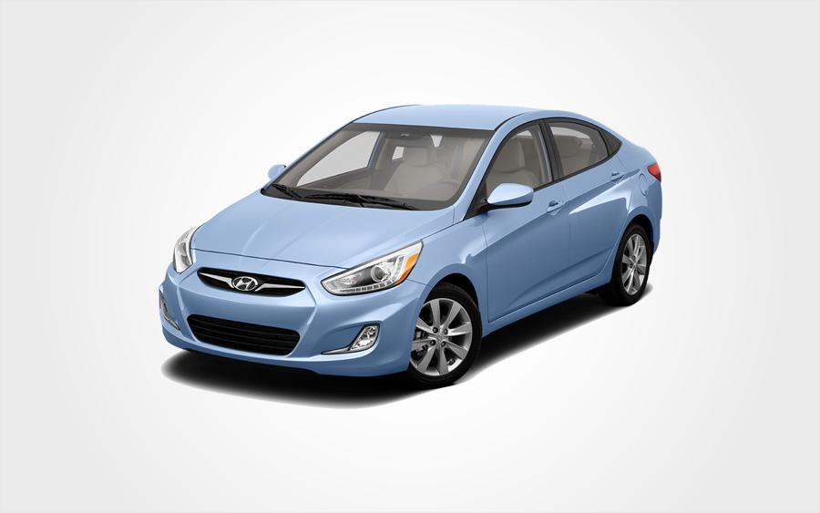 Hyundai Accent in blau. Sparsames Hyundai Accent Automatikfahrzeug von Europeo Cars Fahrzeugvermietung auf Kreta