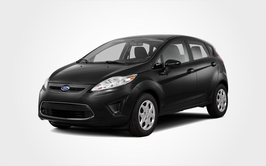Ford Fiesta noire (groupe D) avec climatisation et transmission manuelle à louer chez Europeo Cars.